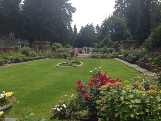 Thornewood Castle Inn and Gardens: photo2.jpg
