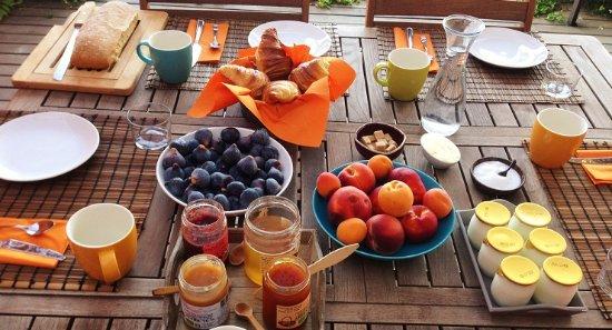 Ortaffa, فرنسا: petit déjeuner