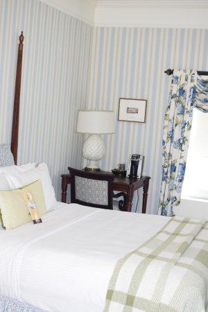 Hot Springs, VA: Standard Queen Room