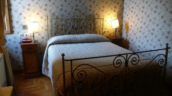 Hotel Loggiato dei Serviti: Habitación