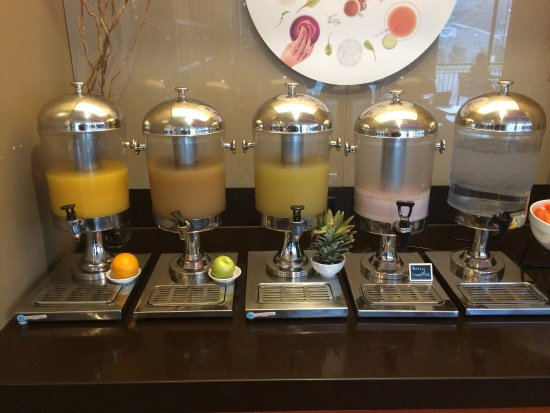 Glen Waverley, Australia: Great idea displaying fruit  - I suggest it would be good to have labels as well on the juices -