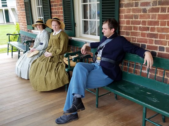 Appomattox, Wirginia: They stayed totally in character.