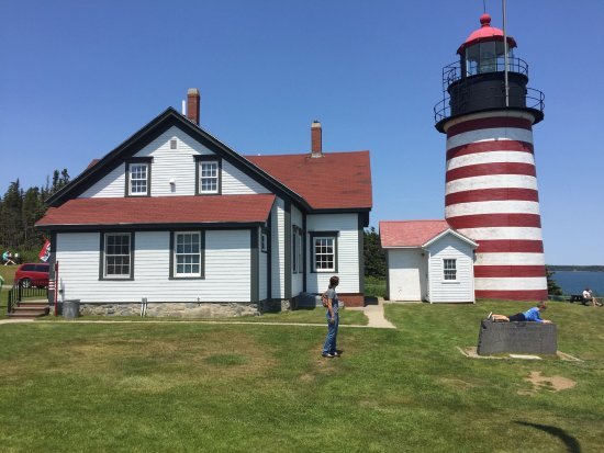 Whiting Bay Bed and Breakfast: West Quoddy Head lighthouse. Eastern most point in the USA.