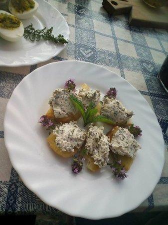 Rifugio Griera: Crostini con formaggio  fresco