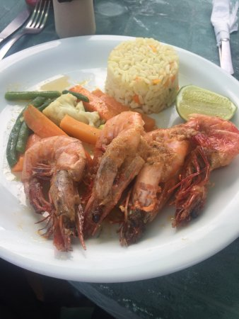 Club Joya del Pacifico: Garlic Shrimp (camarones)