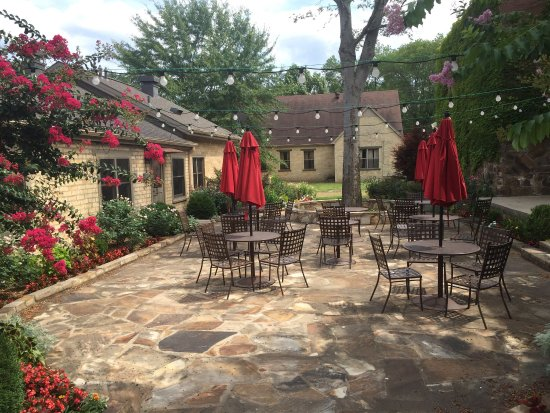 Perryville, AR: Mustang Sally's Patio
