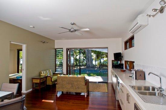 Clifton Beach, أستراليا: Lounge kitchen Pav1