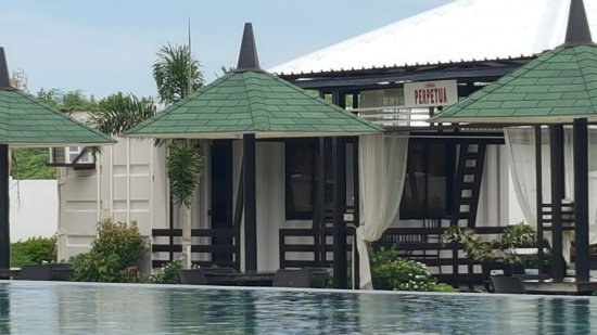 Aparri, Philippines: where we stayed near pool