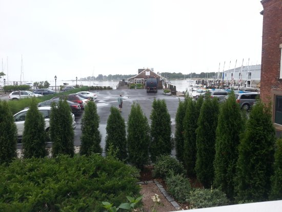 Inn at Stonington: Obstructed View