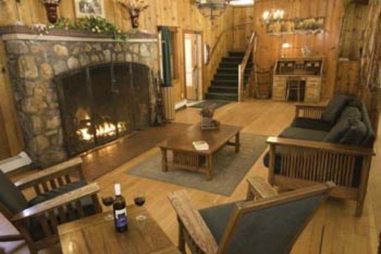 Camp Richardson Resort: Lobby