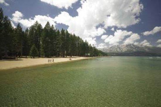 Camp Richardson Resort: Beach at Camp Richardson