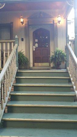 The Villa Toscana: 20160707_193918_large.jpg
