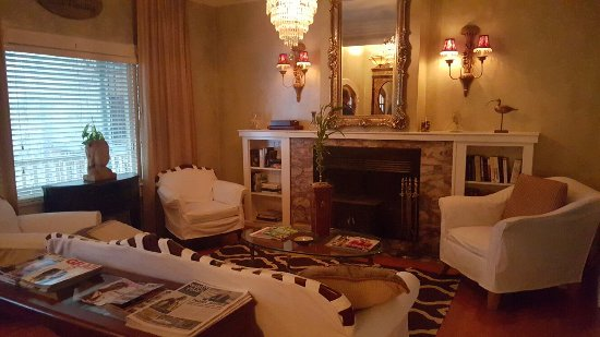 The Villa Toscana: 20160707_193831_large.jpg