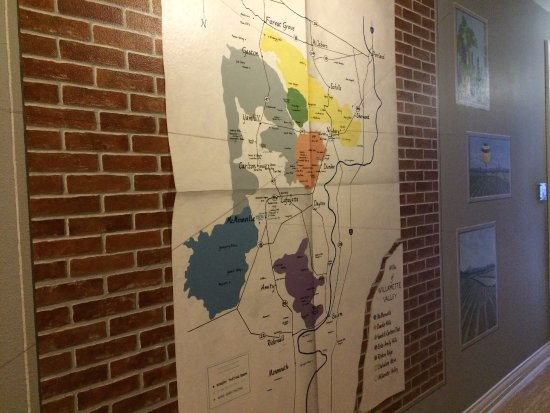 3rd Street Flats: Cool map of the local vineyard in the hallway