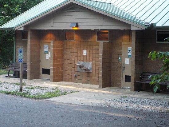 Chapel Hill, TN: showerhouse