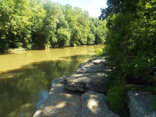 Chapel Hill, TN: another view of the river