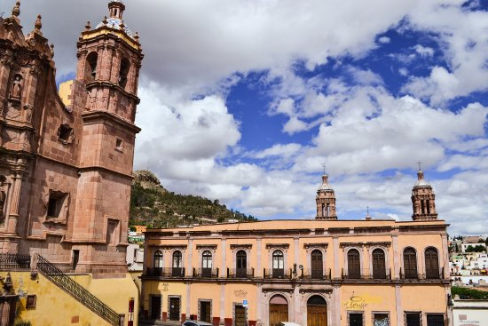 Plaza de Santo Domingo: Santo Domingo in Zacatecas. A great place to visit even if you are not a catholic person.