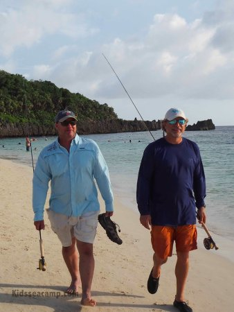 Mayan Princess Beach & Dive Resort: fly fishing and deep sea fishing with Tom and Tony from Kids Sea Camp