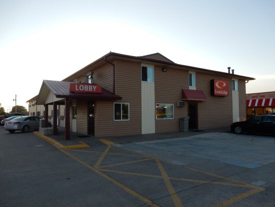 econo lodge updated 2017 prices motel reviews hays. Black Bedroom Furniture Sets. Home Design Ideas