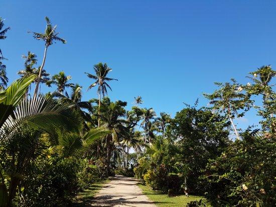 Savasi Island Villas: A quiet walk