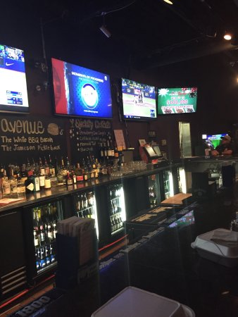 Avenue Sports Grille