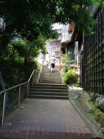 Asakichi Ryokan: Lovely!  Perfect service and amazing food!  The building itself is fun to explore, such history!