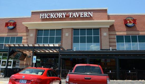 Hickory Tavern: Front Entrance