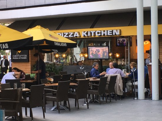 outdoor seating area picture of california pizza kitchen masaryk rh tripadvisor com california pizza kitchen reservations bethesda california pizza kitchen restaurant support center playa vista ca