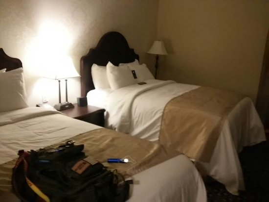 Mount Vernon, OH: A lpt of thoughts went into the design of this hotel. From an engineer's view, smart designs, I.