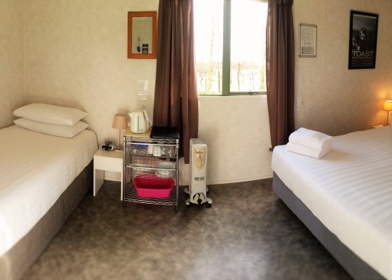 Martinborough, نيوزيلندا: Cabin with Queen Bed and Single