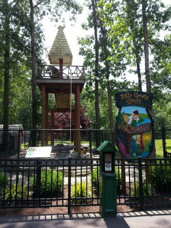 Storybook Land: Do you remember these tales?
