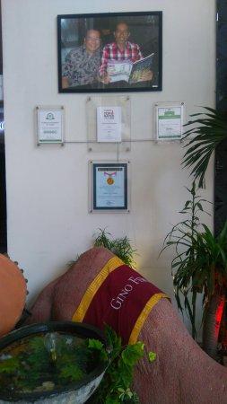 Gino Feruci Kebonjati Bandung: Lobby area