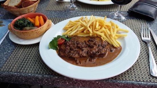 Jongny, Swiss: steack aux morilles