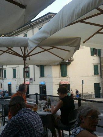 Pizzeria Vesuvio: 20160708_195811_large.jpg