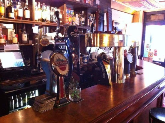 Oxford Arms : Guinness, KIlkenny, Carlsberg,Strongbow, London Ale & Oxford Beer en pression