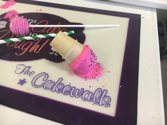 Cakewalk Bakery & Cafe: photo0.jpg
