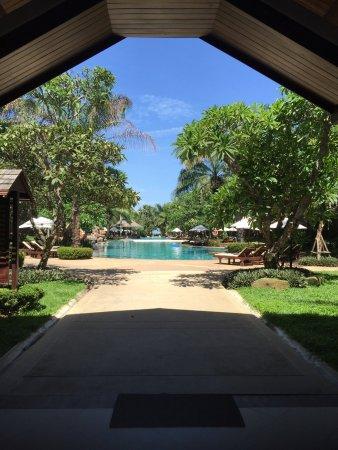 拉文答臘海灘度假酒店: photo1.jpg