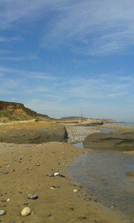 Happisburgh, UK: Miles of sandy beach