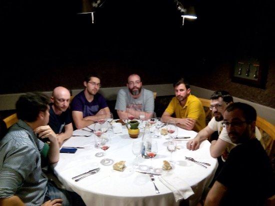 Bodega Los Tarantos: Comida con amigos, como siempre fantástico