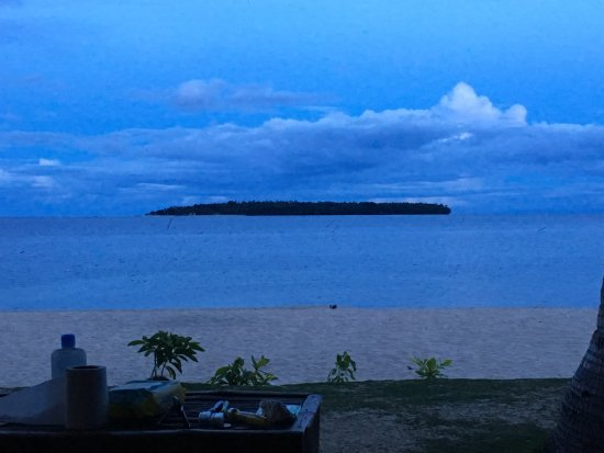 Inopacan, Philippinen: view of Apid Island