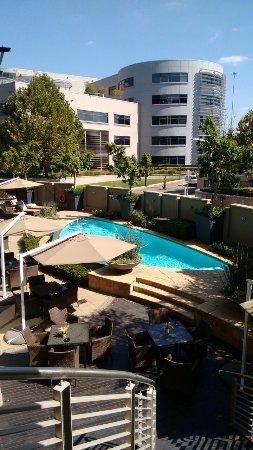 City Lodge Hotel Lynnwood: Hotel para negócios , porém boa opção para quem não quer sofrimento com limpeza , barulho e outr