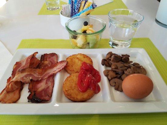 Bussigny-pres-Lausanne, سويسرا: Breakfast