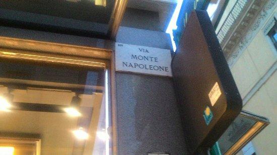 Via Manzoni: P_20160701_212625_large.jpg