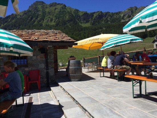 Les Hauderes, Swiss: Rustig terras met uitzicht én kindvriendelijk