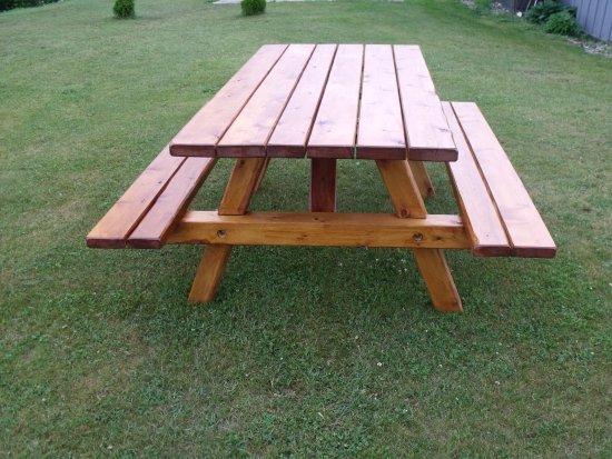 Grand Marais, MI: new picnic table .
