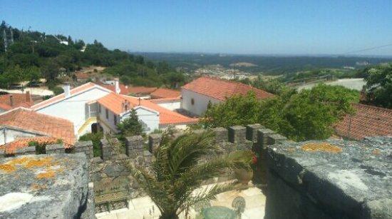 Rio Maior, Португалия: Avista-se as Salinas e uma paisagem única do topo do Restaurante Fortaleza