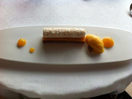 Saint-Nexans, فرنسا: La barette ..... mélange de mangue et coco, doux croustillant. Un régal!