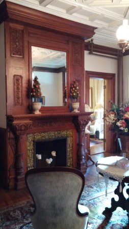Craig Victorian Bed and Breakfast: 20160708_170305_large.jpg