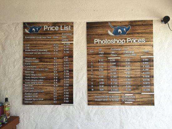 Stingray Beach: The price of photos - very reasonable!