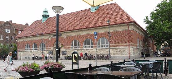 Lund, Sverige: Saluhallen sedd från Mårtenstorget